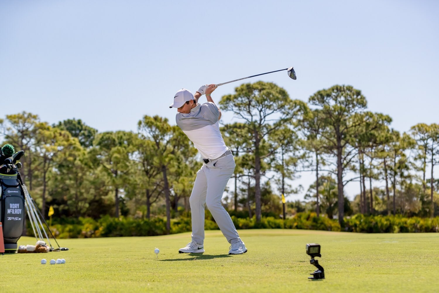 Rory McIlroy signs TaylorMade equipment deal