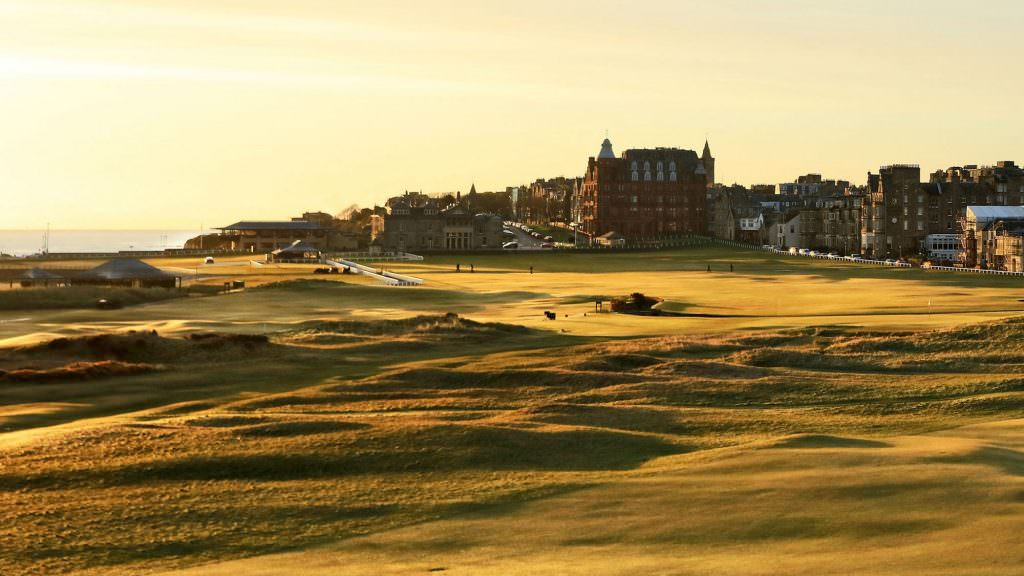 An alternative guide to the Old Course