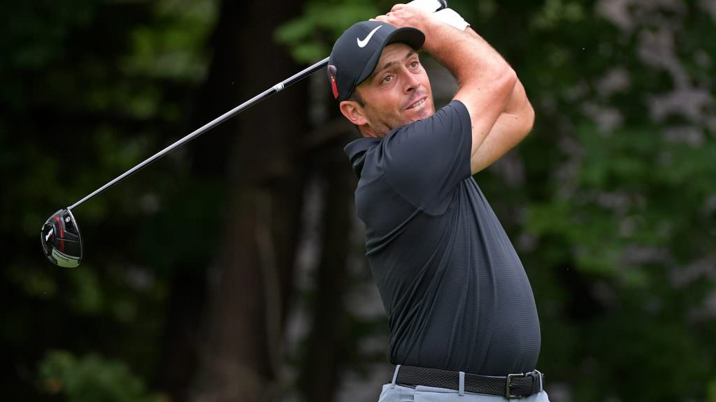 How the free agents get dialled in on tour