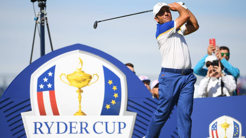 What clubs did Molinari use to seal Europe's Ryder Cup win?