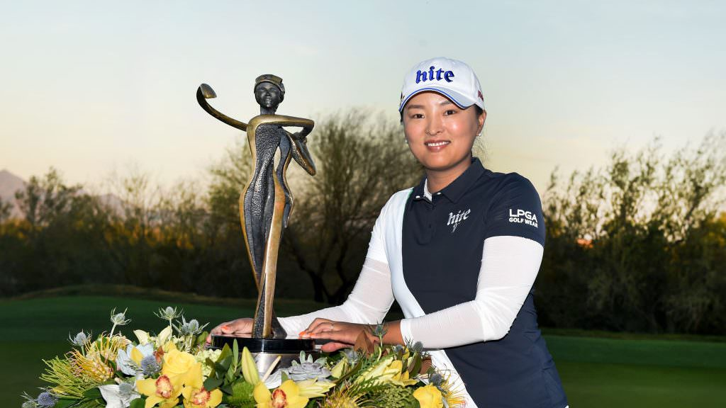 Ko comes from five back to edge out Korda sisters