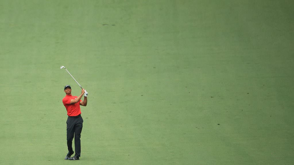 What clubs did Tiger use to win major No. 15?