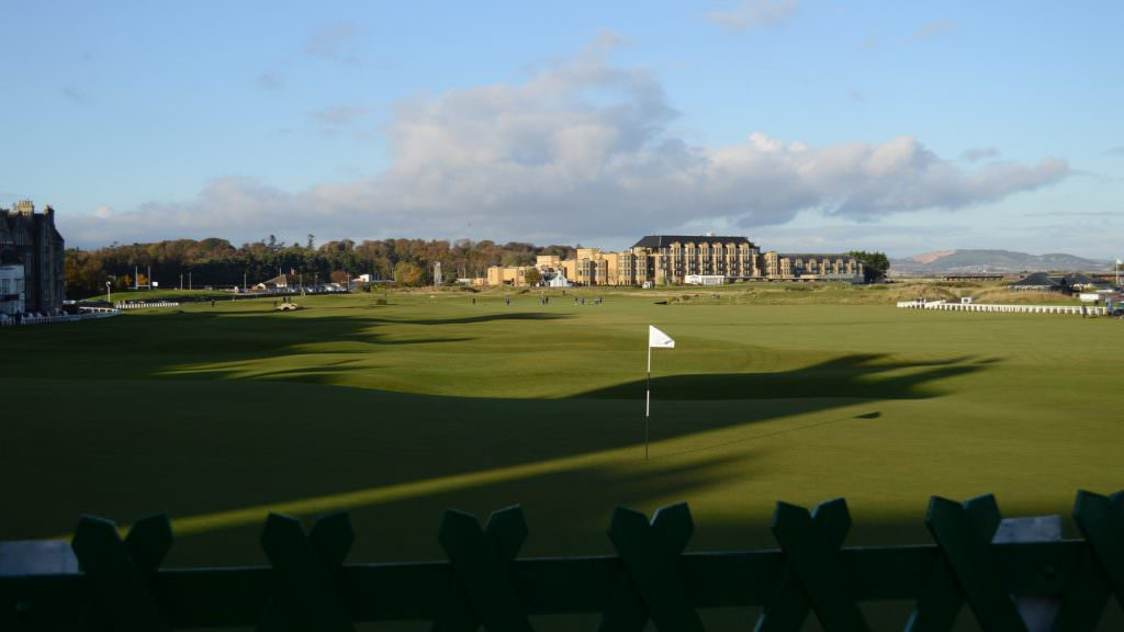 Taking on the queue at St Andrews