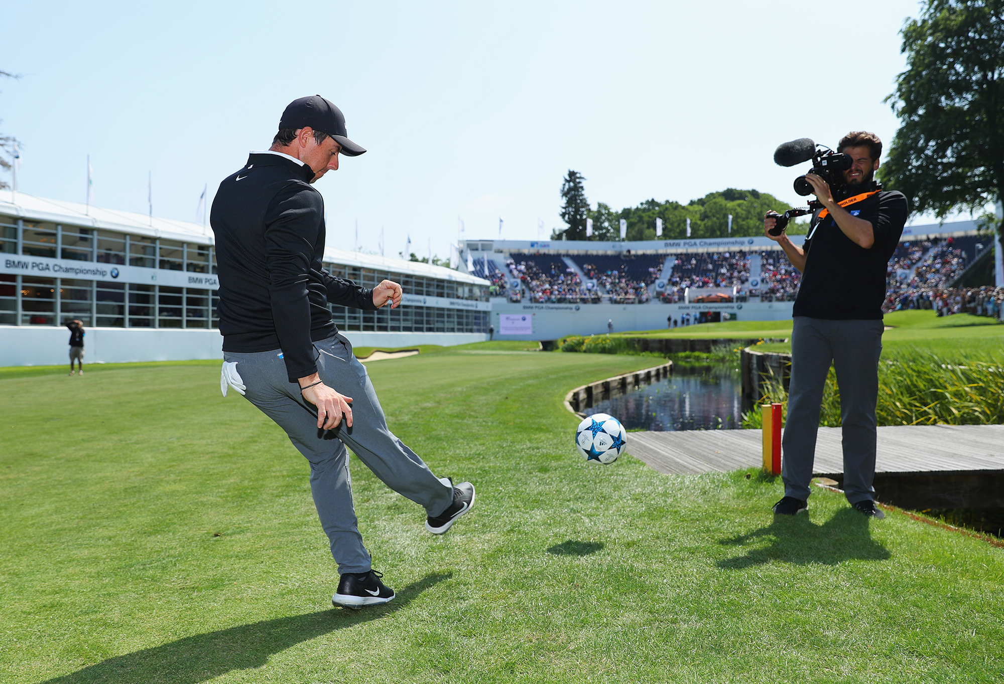 Differences and similarities between golf and football ...