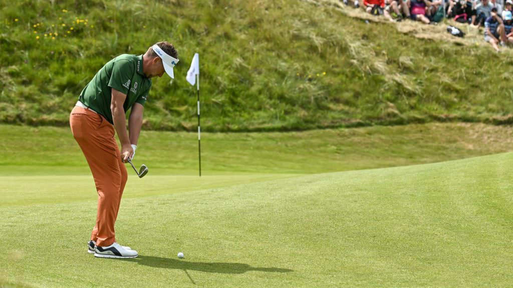 Improve your short game with this pressure chipping challenge