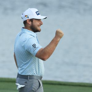Hatton conquers brutal conditions to claim Bay Hill success