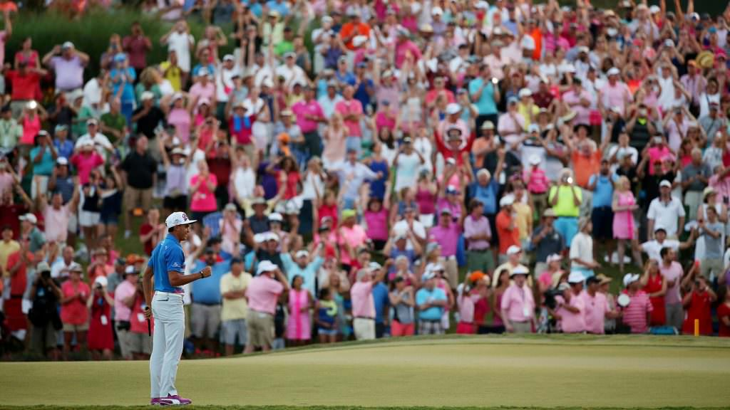 What makes the 17th at Sawgrass so intimidating?