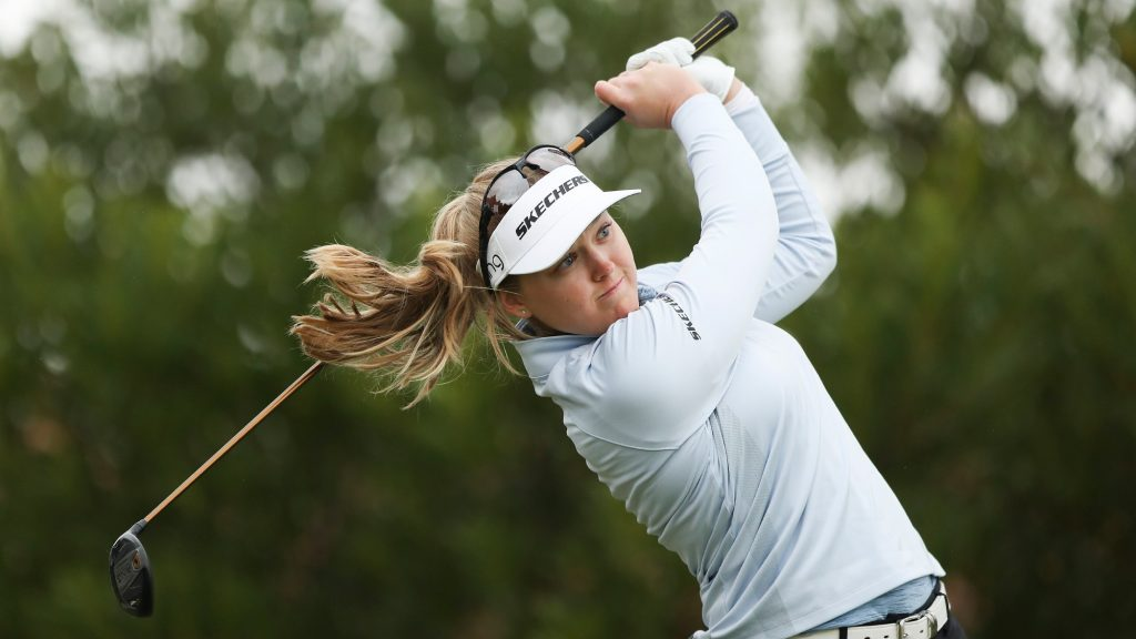 What's in Brooke Henderson's bag?