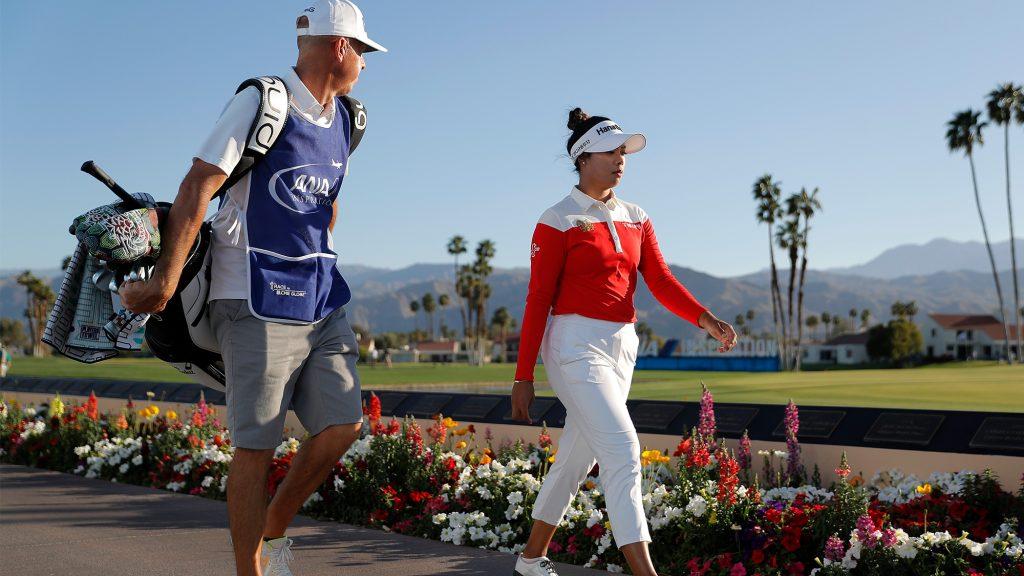 What's in Patty Tavatanakit's major-winning bag?