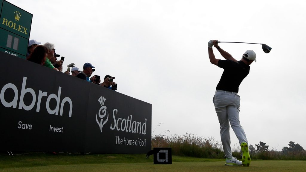 Bizarre scenes as spectator helps himself to Rory McIlroy's clubs on tee